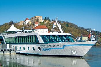 Die DERTOUR AMADEUS wurde von Lüftner gechartert (Foto: Lüftner Cruises)