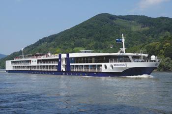 Die BELLEJOUR ist ein Schwesterschiff der BELVEDERE (Foto: TransOcean)