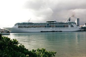 Das Feuer auf der GRANDEUR OF THE SEAS konnte die Bilanz von Royal Caribbean nicht trüben (Foto: Royal Caribbean)