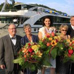 Hans Kaufmann, Geschäftsführer von Thurgau Travel, und seine Frau Ernestine freuen sich über den Neubau der Reederei Scylla, die durch Geschäftsführerin Manuela van Zelst Stolz bei der Taufe vertreten wurde. Esther Fritsche agierte als Taufpatin der EDELWEISS, Kapitän ist Cornelis van Eck (Foto: Thurgau Travel)