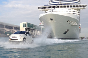 Die MSC DIVINA fährt neu ganzjährig in der Karibik und wurde auf ungewöhnliche Weise in ihrem neuen Heimathafen willkommen geheißen (Foto: MSC)
