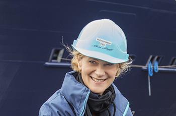 Wybcke Meier, CEO von TUI Cruises, beim Aufschwimmen der MEIN SCHIFF 4 (Foto: TUI Cruises)