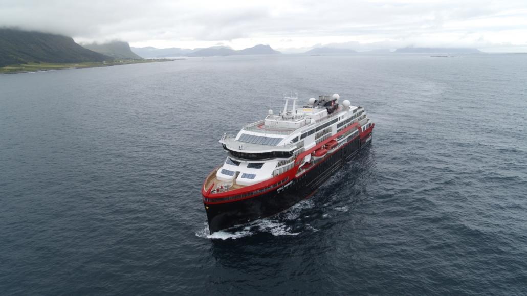 2019-07-15_Schiffsreisenportal-kreuzfahrten-Schiffsreisen-Weltreisen_Hurtigruten_Roald Amundsen