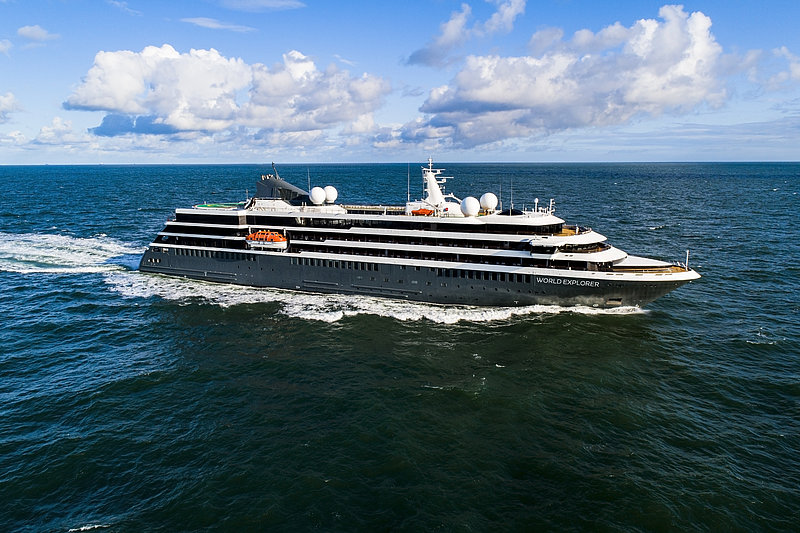 world-explorer-nicko-cruises-schiff